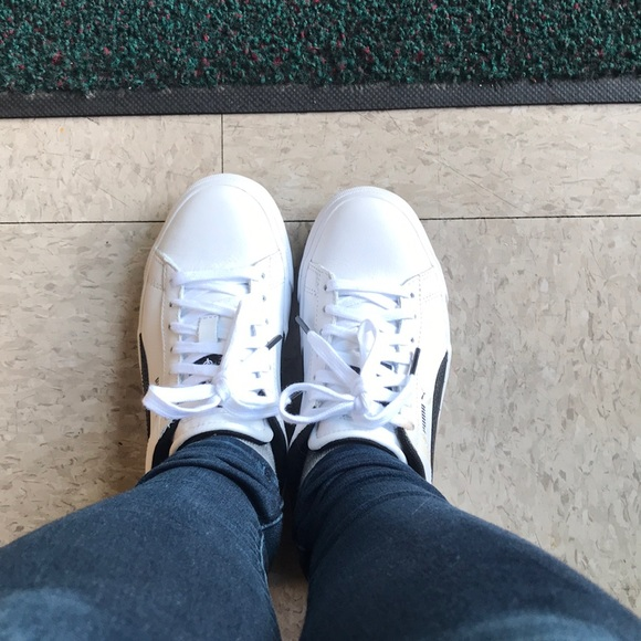 4df023f111a BTS x PUMA Courtstar Shoes. M 5b2abb532beb79b9fad414eb